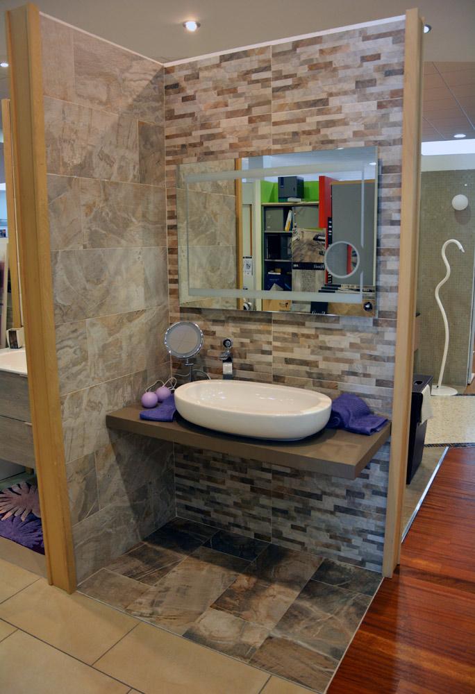 Arredo bagno udine mobili da bagno tondi with arredo for Angolo jolly piastrelle